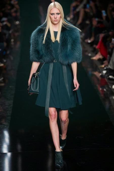 коротенькая бирюзовая модная шуба 2017