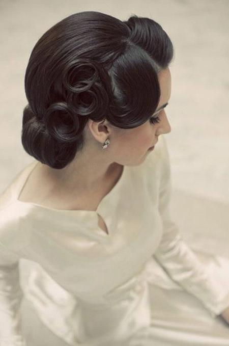 свадебная прическа пучок фото 3