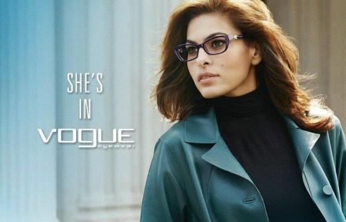 eva-mendes-vogue-eyewear-2014-(4)-137176-500x0