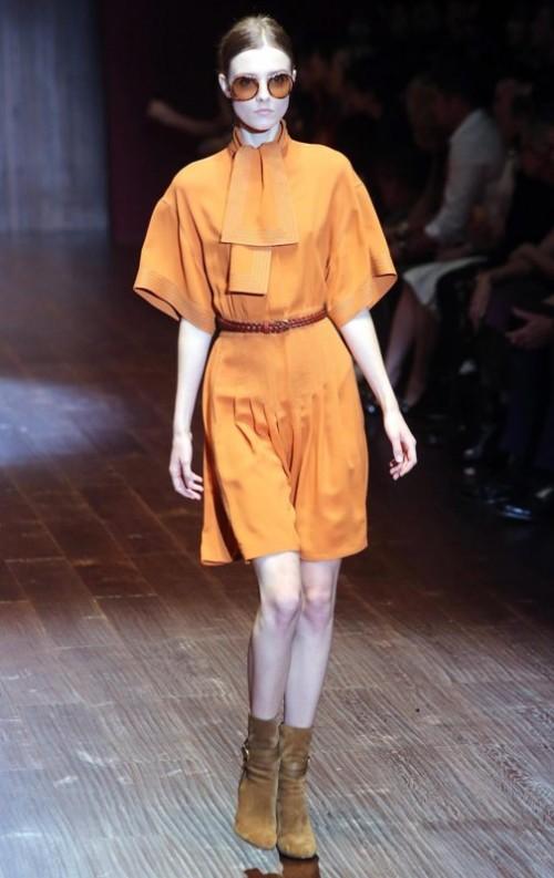 коллекция Gucci 2018 оранжевое платье