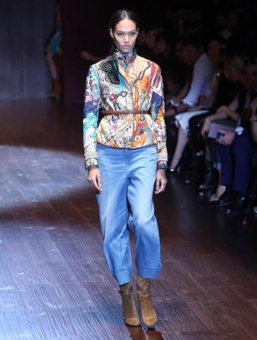 коллекция Gucci 2018  пестрый пиджак и брюки