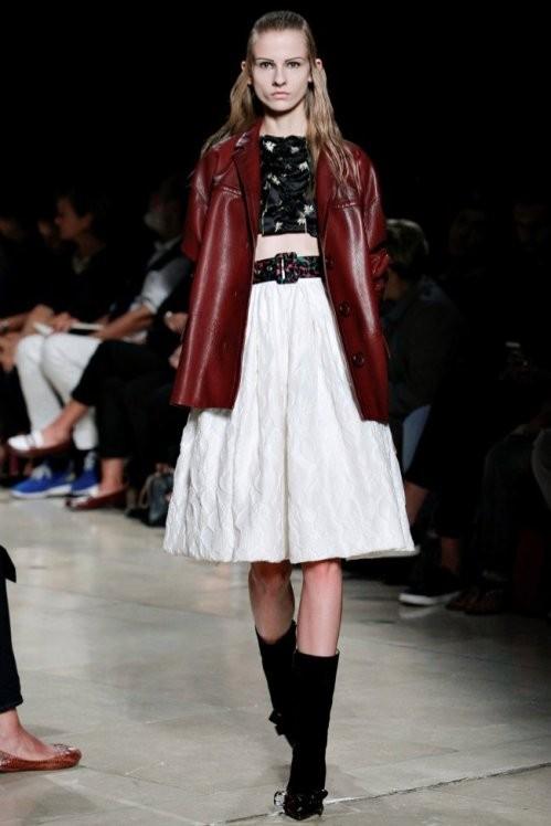 кожаный жакет и пышная юбка Miu Miu весна лето  2017