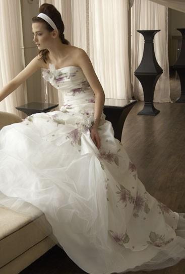 Комбинированное свадебное платье с цветами