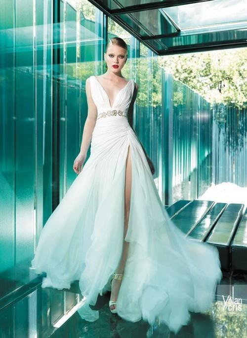 винтажное свадебное платье с большим разрезом