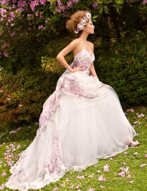 Свадебное платье с цветочками