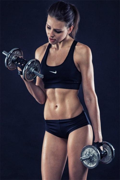 Модели спортивных костюмов женских