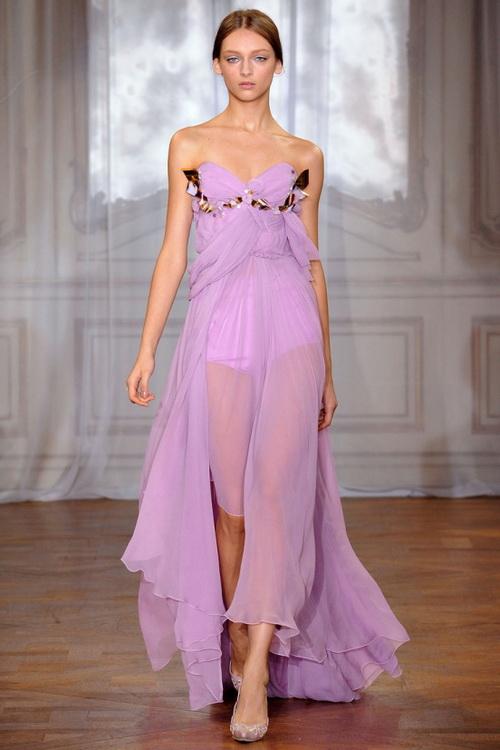 Модные шелковые платья картинки