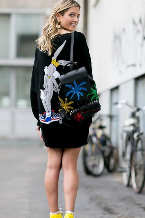 4510f5ca6c23 Эту тенденцию прекрасно раскрывают модные рюкзаки на лето 2019 года. Они  предназначены не только для жизни в городе, но также, и для путешествий, ...